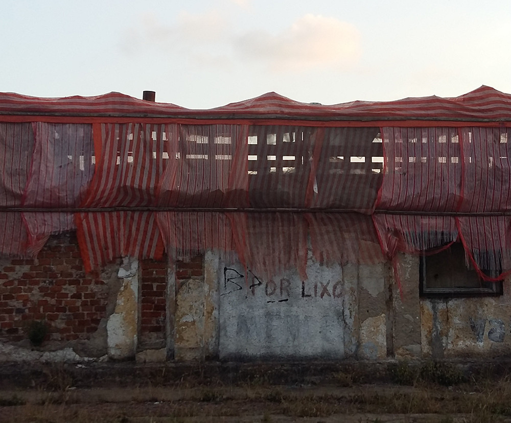 Tetê Barachini. Linha Vermelha (2018). Foto.