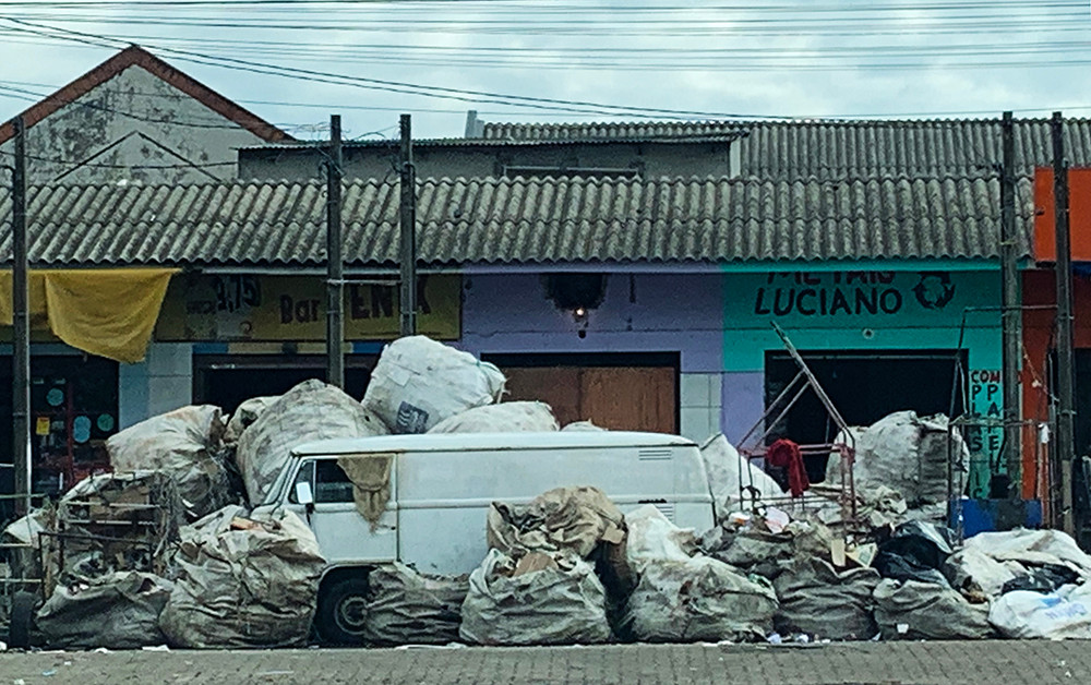 Tetê Barachini. Série Bag- 4D (2018). Foto.