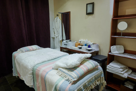 BOOM_IMMO-Salle1-massage-AZENKA-2.jpg