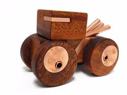 צעצוע עץ 2