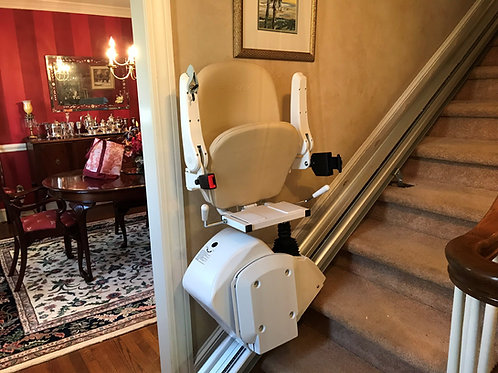 AMERICAN MOBILITY CLASSIC 350 HD STAIRLIFT INSTALLED IN NC