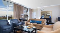 Luxury 1-Bedroom Suite