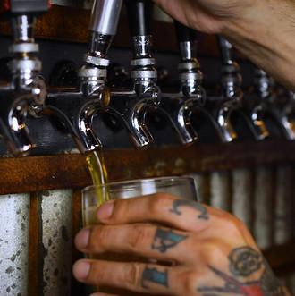 bar - beer pour.00_00_02_21.Still001.jpg
