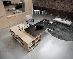 Planeta Executive Desk