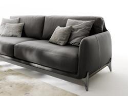 Elliot-gentlemens-sofa-Ditre-Italia-9-810x607