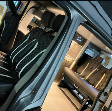 2 Tone T6 2016 Interior
