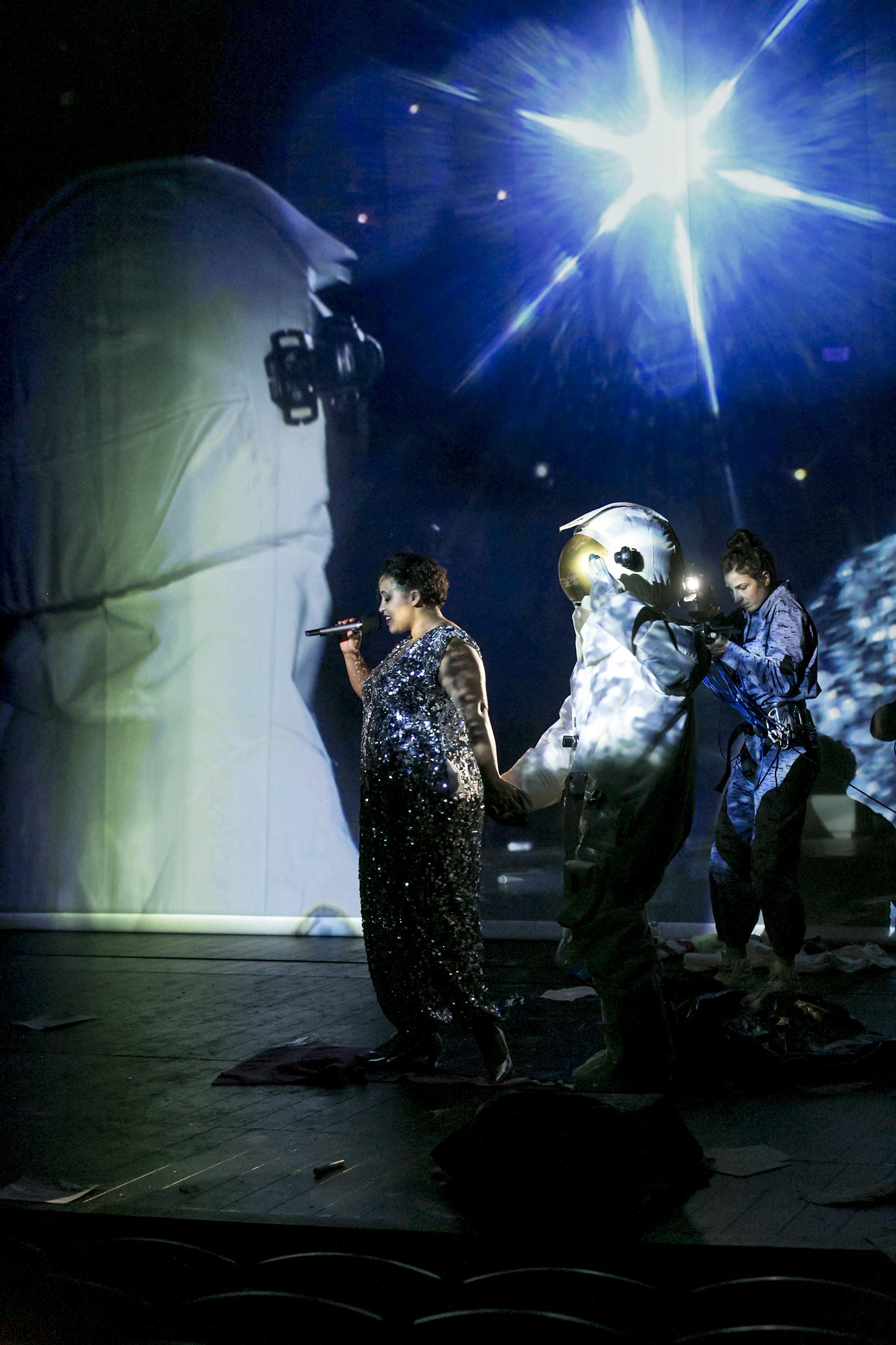 Münchener Kammerspiele: Der Erste Fiese Typ