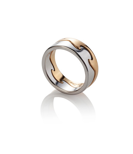 Lot 73: A 'FUSION' RING BY GEORG JENSEN