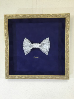 a type of bow tie walls can wear
