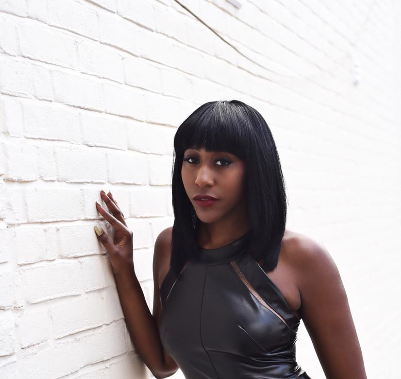 Fiona Hall - Presenter