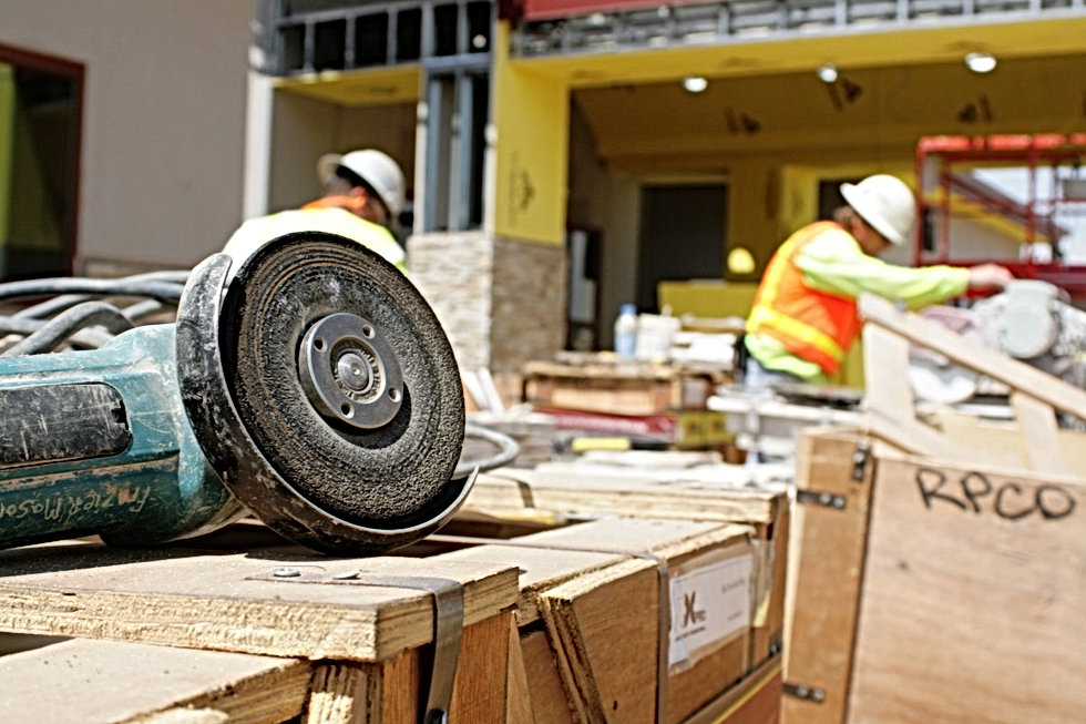 construction_site_building_workers_equip