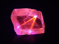 """Violet laser reactive """"optical calcite"""" from the area of Gatineau, Qc, Canada"""