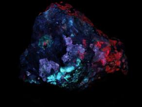 Chkalovite, tugtupite, analcime, sodalite, etc, from Taseq West, Greenland