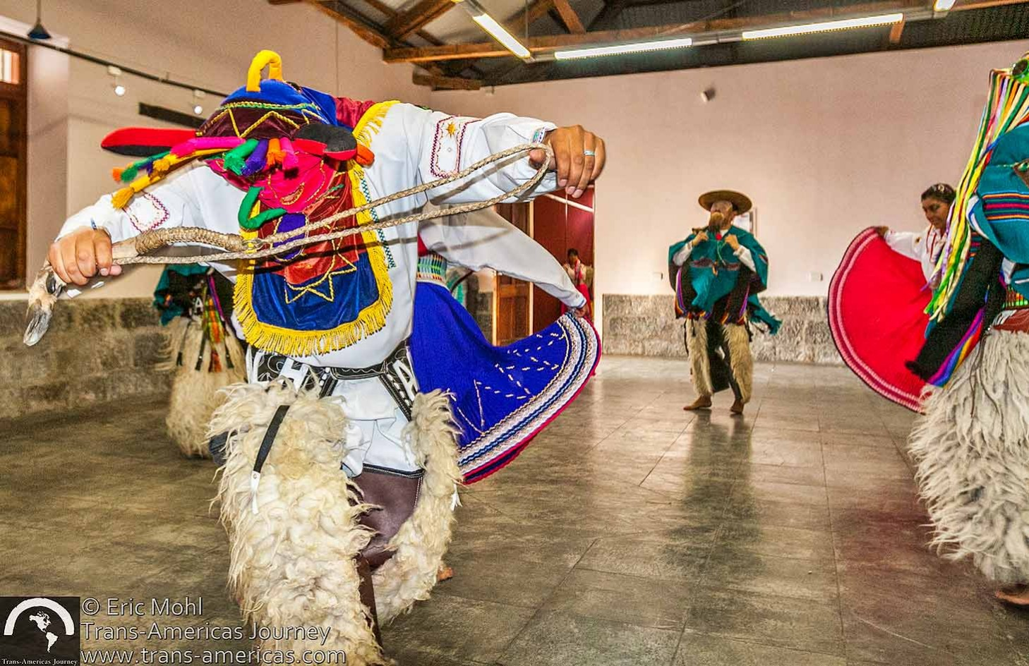 Ecuador-cultural-dance@2x