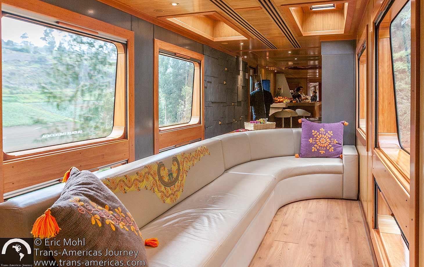 ecuador-tren-crucero-lounge@2x