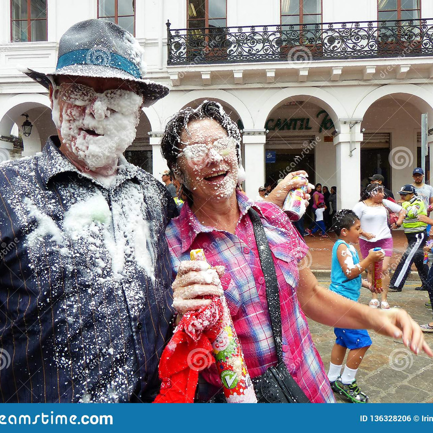 carnival-cuenca-ecuador-couple-lot-foam-
