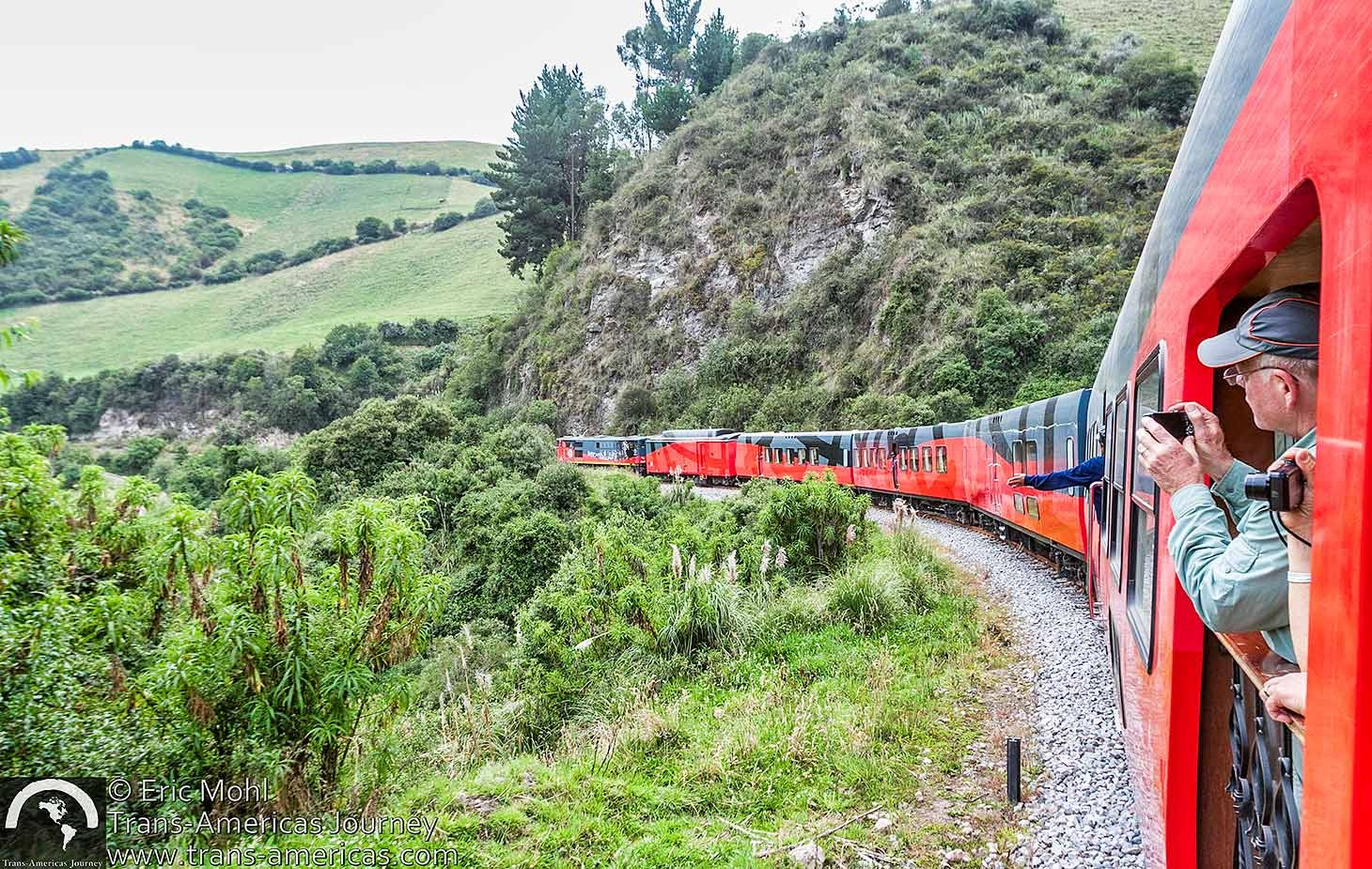 Tren-Ecuador-Train-of-Wonders@2x