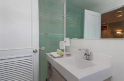 Matrimonial_MainDeck_Bathroom