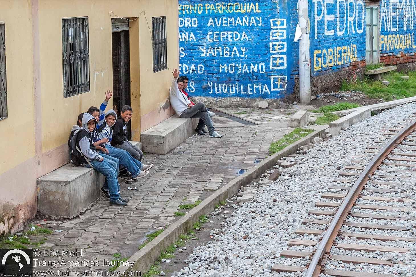 Train-across-ecuador@2x