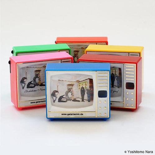 """[ Yoshitomo Nara Product ] Yoshitomo Nara Plastic Scope Toy """"Berlin Baracke"""""""