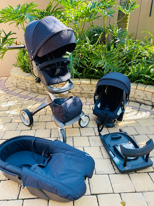 Stokke Xplory Pram, car seat, bassinet, isofix, rain cover and mosquito net
