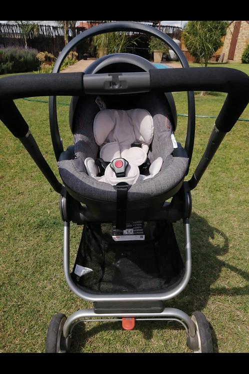Stokke Scoot & IZI Go car seat