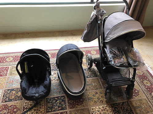 Oyster2 travel system.Pram, car seat and bassinet