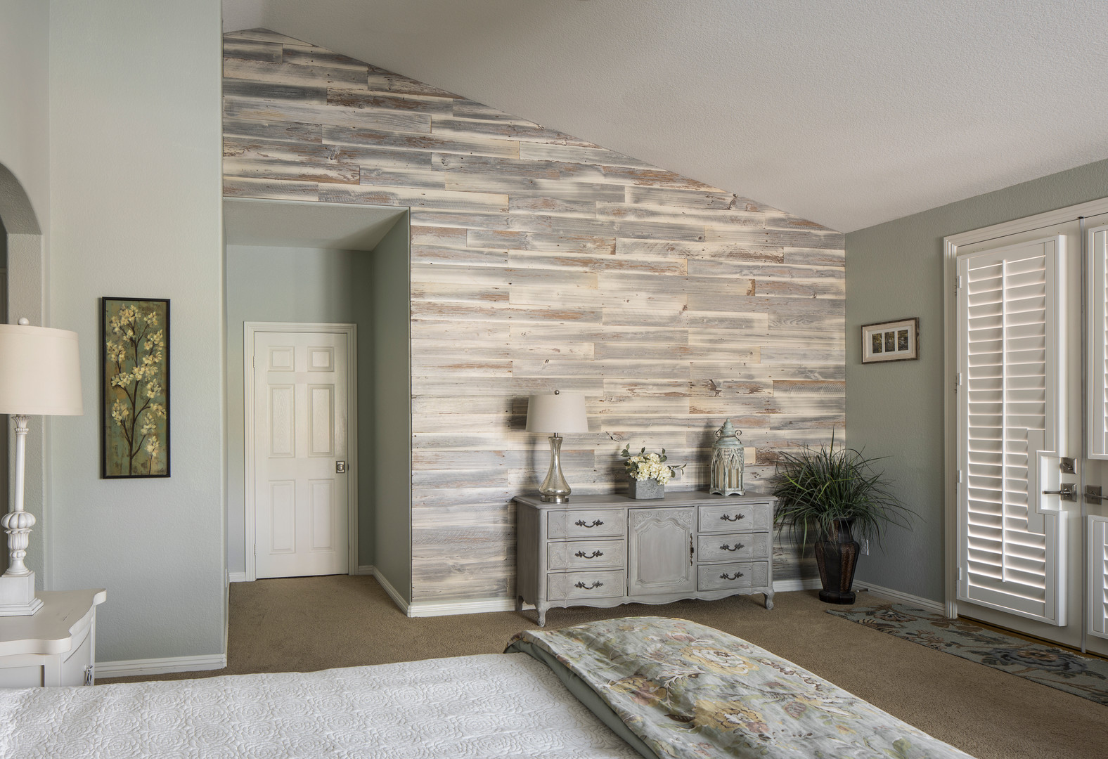 Seabreeze Bedroom Accent Wall