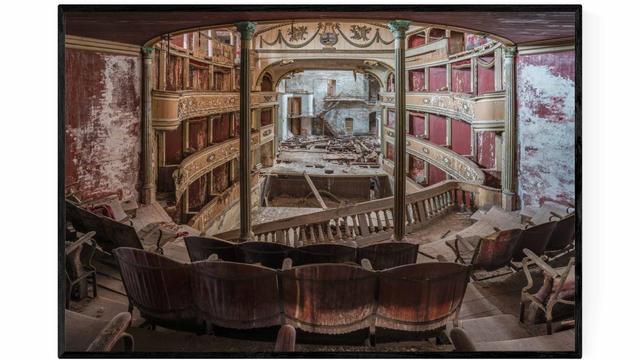 Falling Theatre