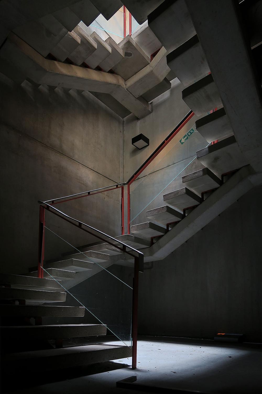 Kælder trappe på den forladte Forsvarskommando