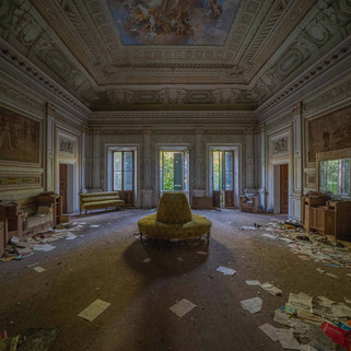 Villa Pavone: Abandoned villa in Italy
