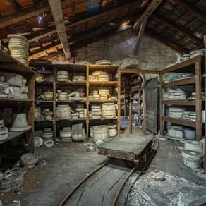 Forladt porcelænsfabrik i Frankrig