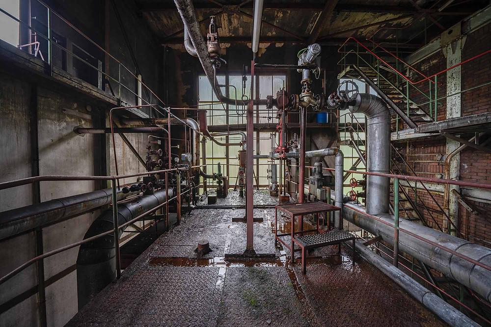 Masser af forfald på forladt kraftværk