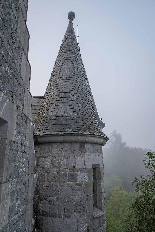 Et af tårnene på det forladte slot