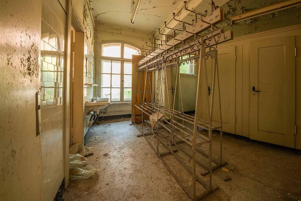 Et omklædningsrum på forladte hotel Fürstenhof