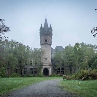 Chateau Miranda: Abandoned castle in Belgium