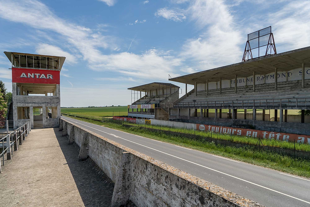 Abandoned racetrack Circuit de Reims on top of the pit