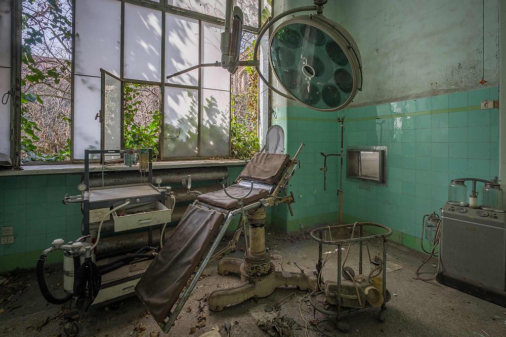 Forladt sindsyge hospital