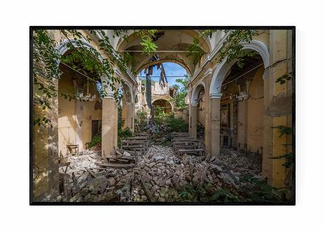 Earthquake-Church-Ramme-hvid-baggrund-75