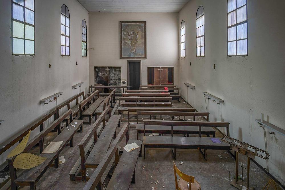 kirkerum på forladt hospital