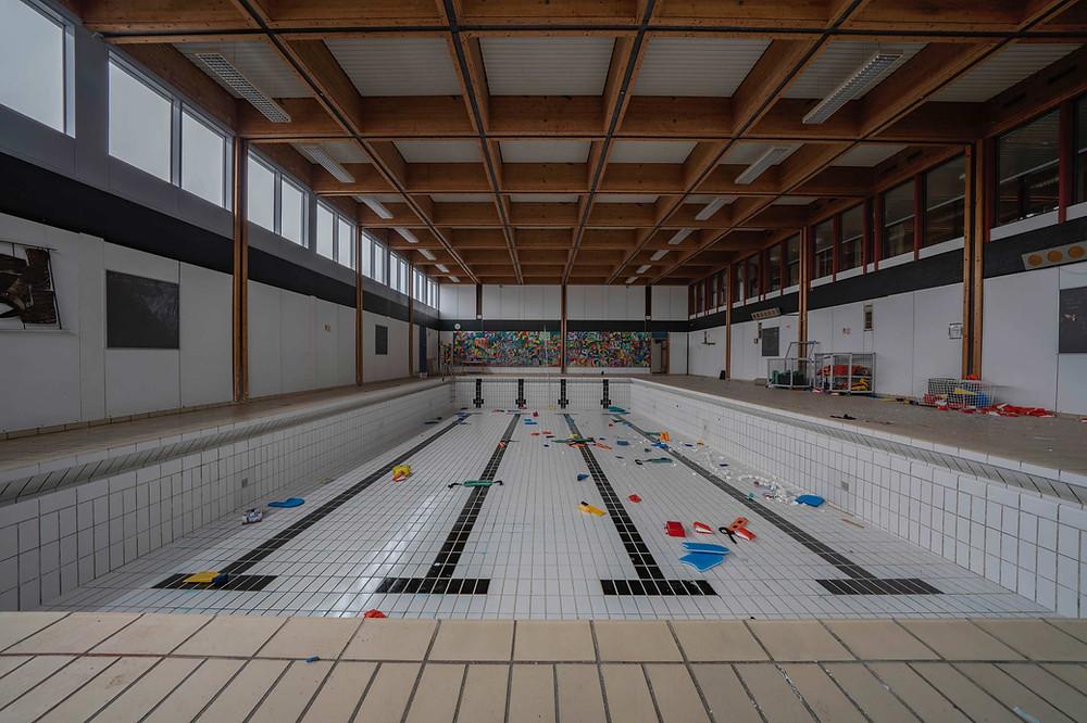 Forladt svømmehal på Tjørnelyskolen