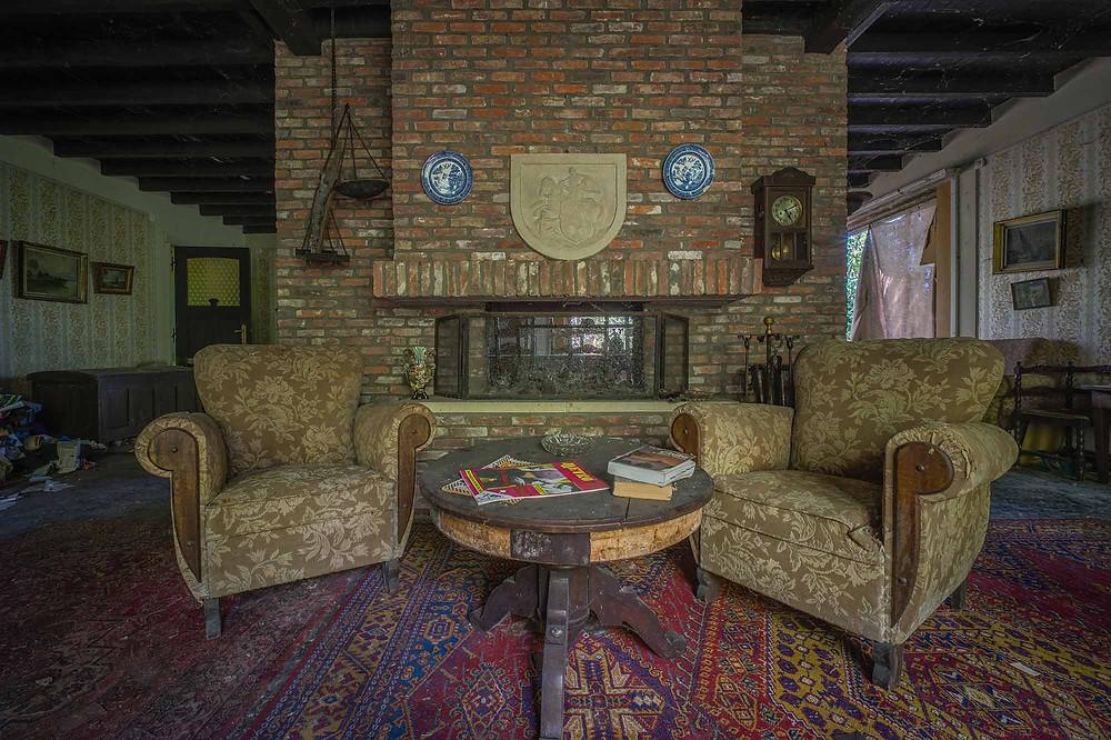 Maison Limmi fireplace in livingroom