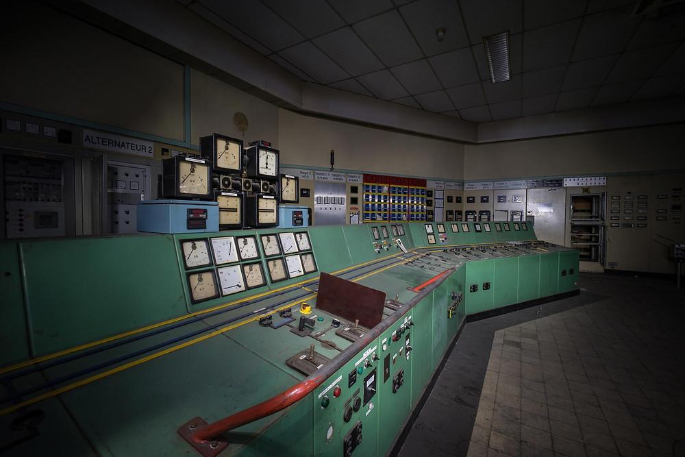 Kontrolrum i forladt kraftværk