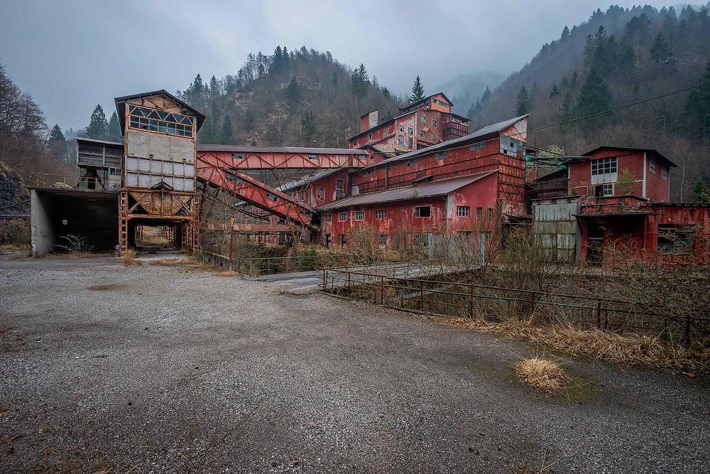 Smukke gamle bygninger, ved denne gamle mine