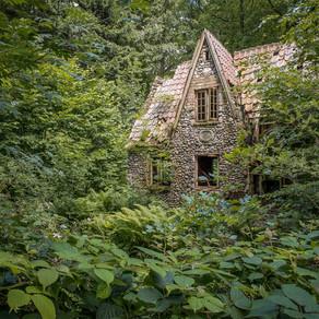 Forest house: Abandoned in Denmark
