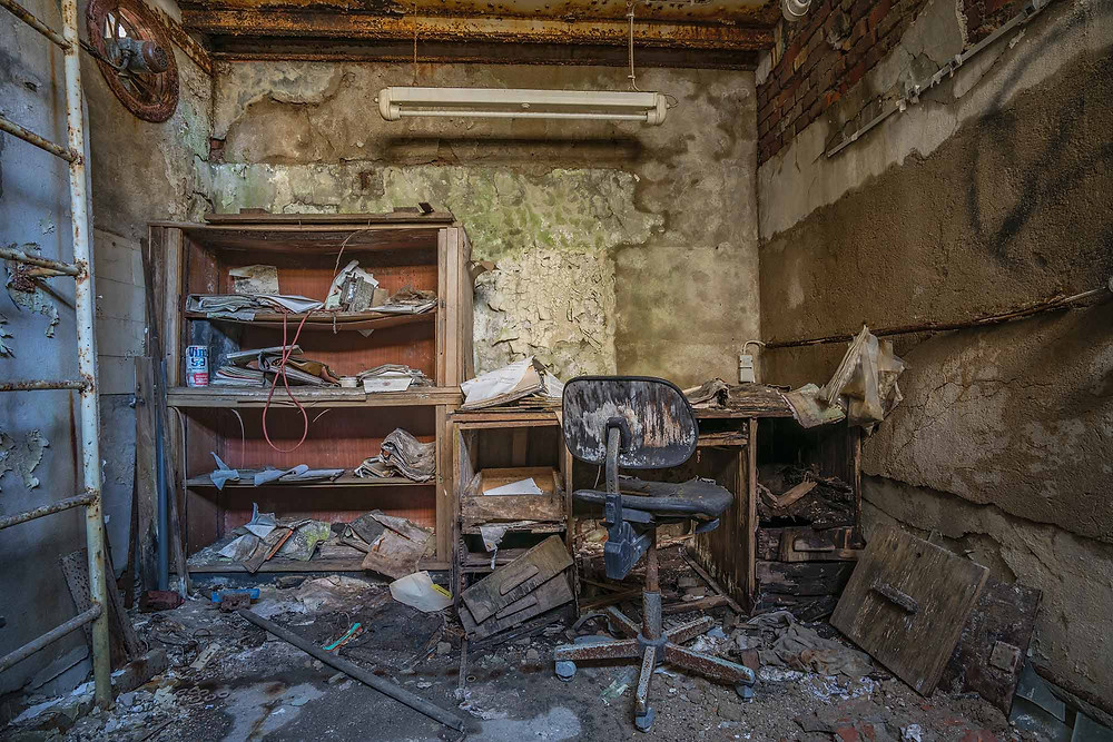 Beautiful natural decay in this small office