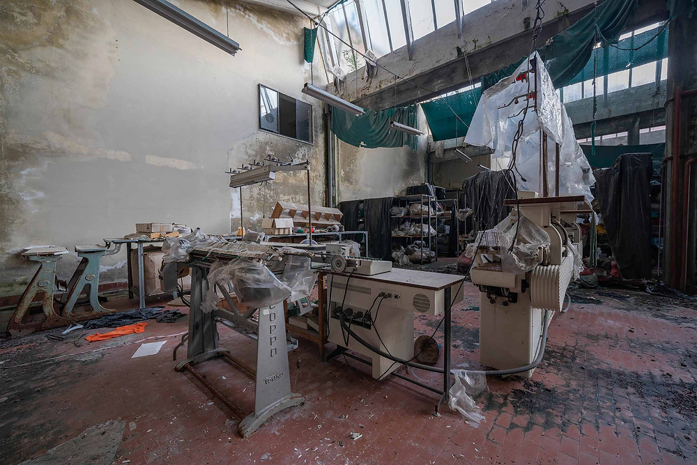 Nice colours and decay at abandoned factory in Italy