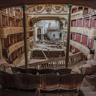 Det forladte teater: Teatro Sociale