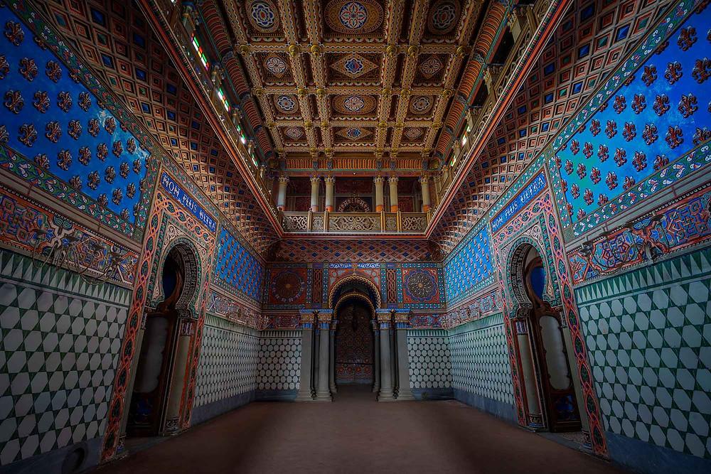 Non +Ultra rummet på forladt slot i Italien