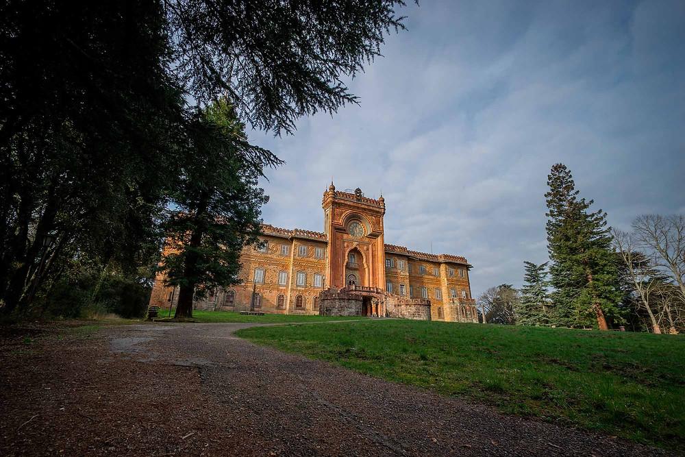 Et smukt forladt slot i Italien